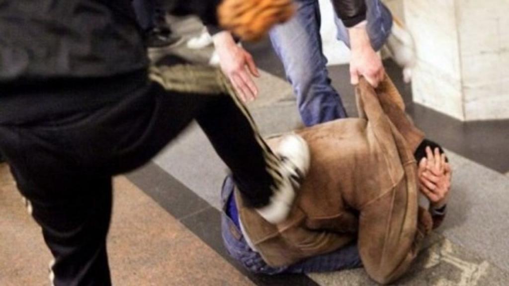 «Разборки по-днепровски»: мужчину избили на глазах у прохожих. Новости Днепра