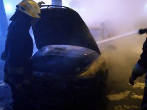 В Днепре сгорела машина. Новости Днепра
