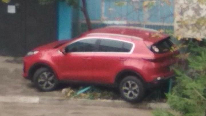 «Перепутала педали»: в Днепре женщина «влетела» в жилой дом. Новости Днепра