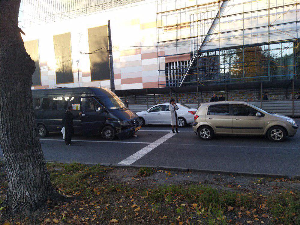 ДТП с маршруткой в Днепре: есть пострадавшие. Новости Днепра