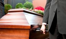 «Чуть не похоронили заживо»: мужчина ожил на собственных похоронах