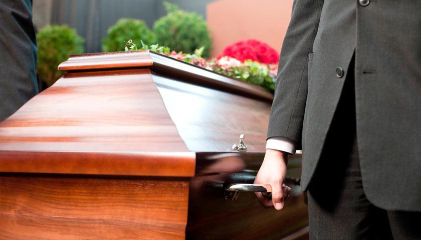 Мужчину чуть не похоронили заживо. Новости мира