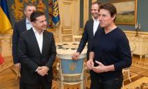 Зеленский рассказал Тому Крузу о преимуществах съемок фильмов в Украине