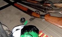 В автомобиле ранее судимого мужчины нашли оружие и боеприпасы