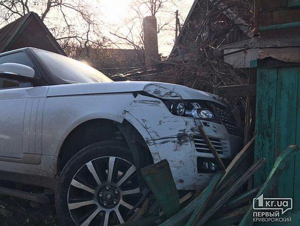 Серьезное ДТП: авто влетело в жилой дом. Новости Днепра