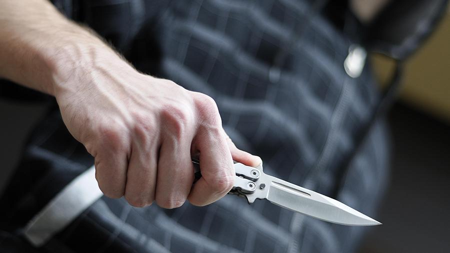 Мужчина с ножом напал на школьницу: подробности. Новости Днепра