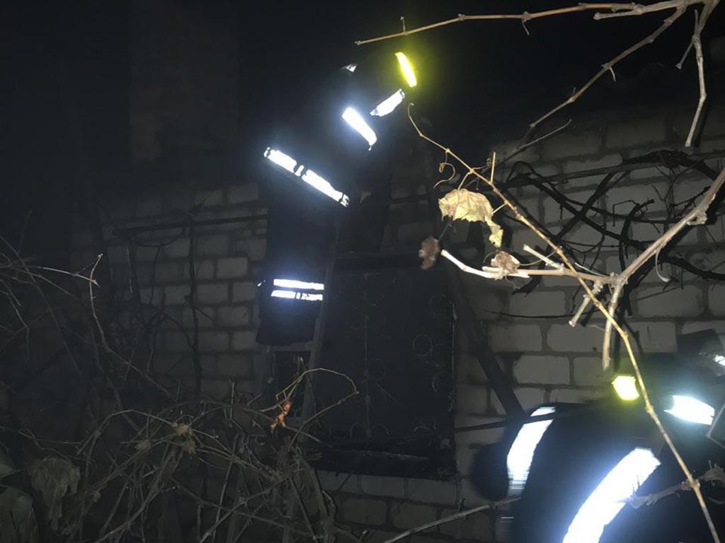 Сильный пожар в жилом доме: погибла женщина. Новости Днепра