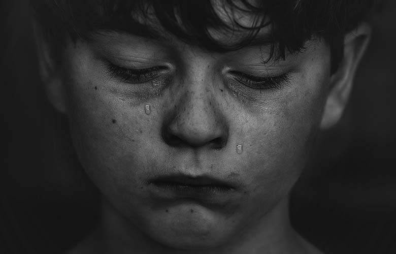 Без холодильника, санузла и с червями в ванной: в Днепре дети живут в ужасных условиях. Новости Днепра