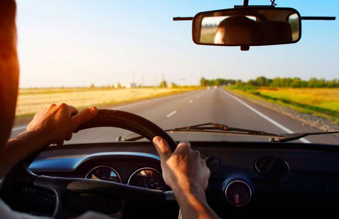 «Промчался на полной скорости»: в Днепре водитель зацепил авто и скрылся. Новости Днепра
