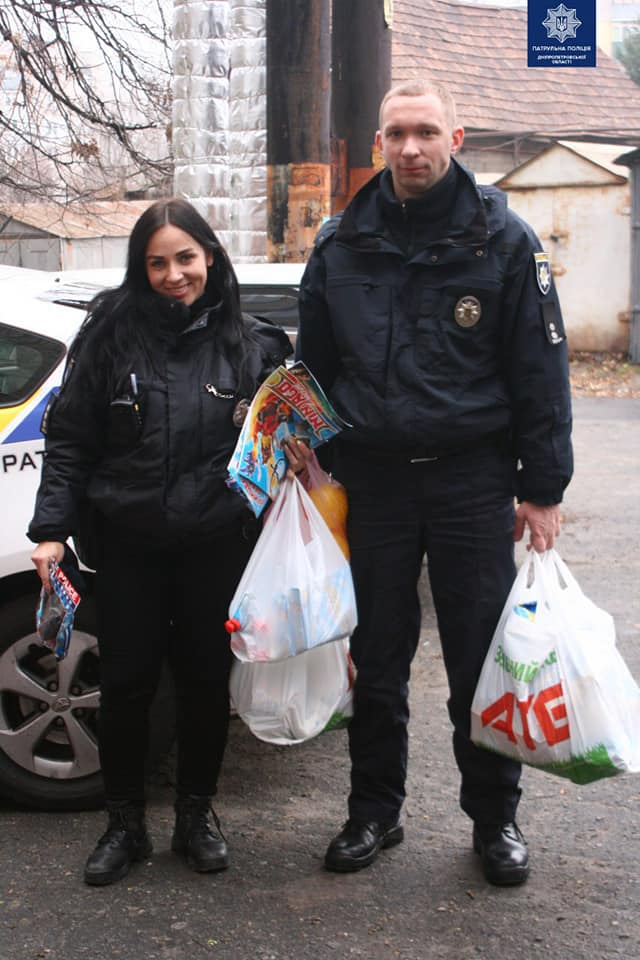 Патрульные Днепра помогли жертвам домашнего насилия. Новости Днепра