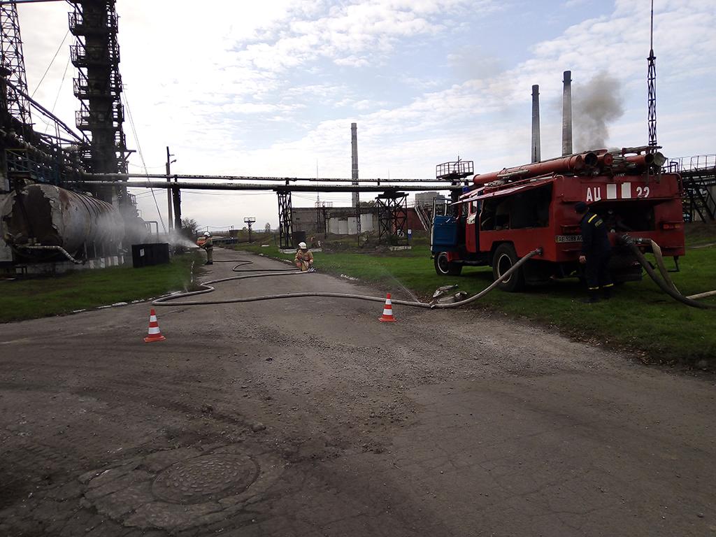 Спасатели проводили учения на заводе в Каменском. Новости Днепра