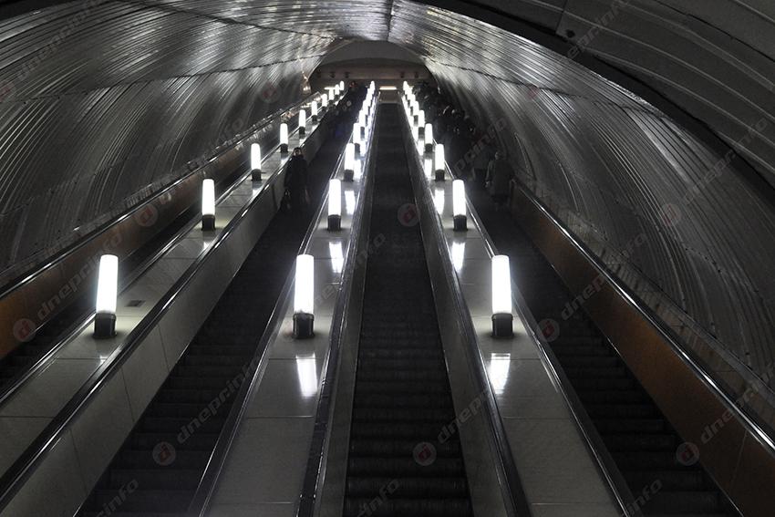 Костюк рассказал о скорости движения поручней эскалатора в метро. Новости Днепра