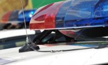 «Покатал на капоте»: в Днепре мужчина травмировал полицейского