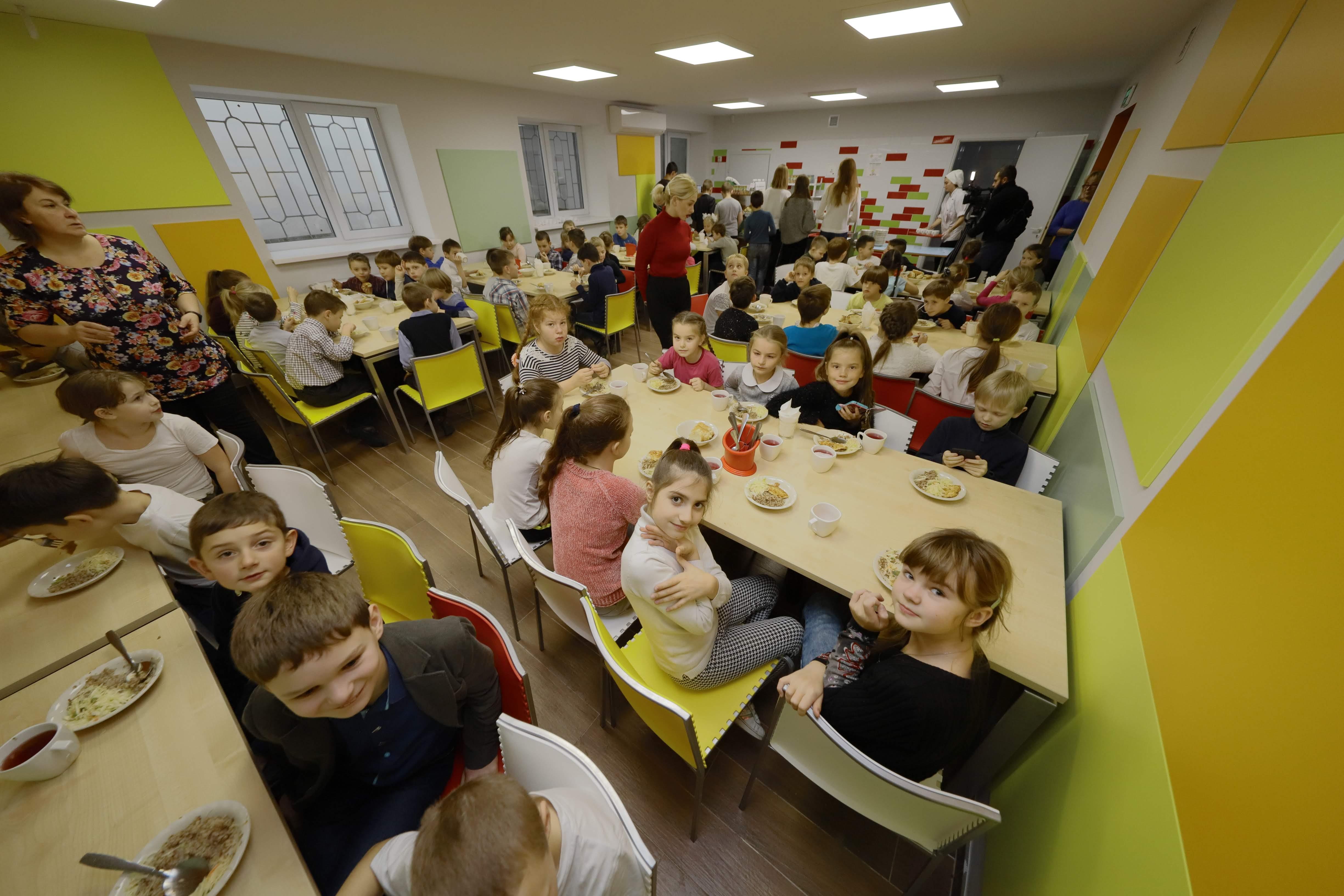 В Днепре ремонтируют школьные столовые. Новости Днепра