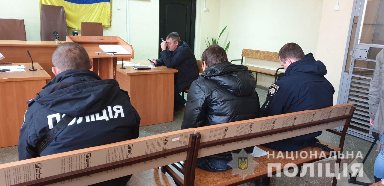 Днепрянин бил женщин в лицо: подозреваемого взяли под домашний арест. Новости Днепра