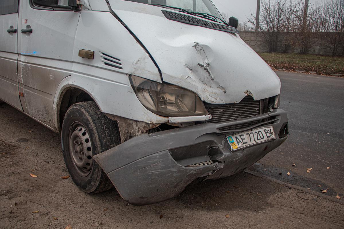 В Днепре произошло ДТП с маршруткой. Новости Днепра