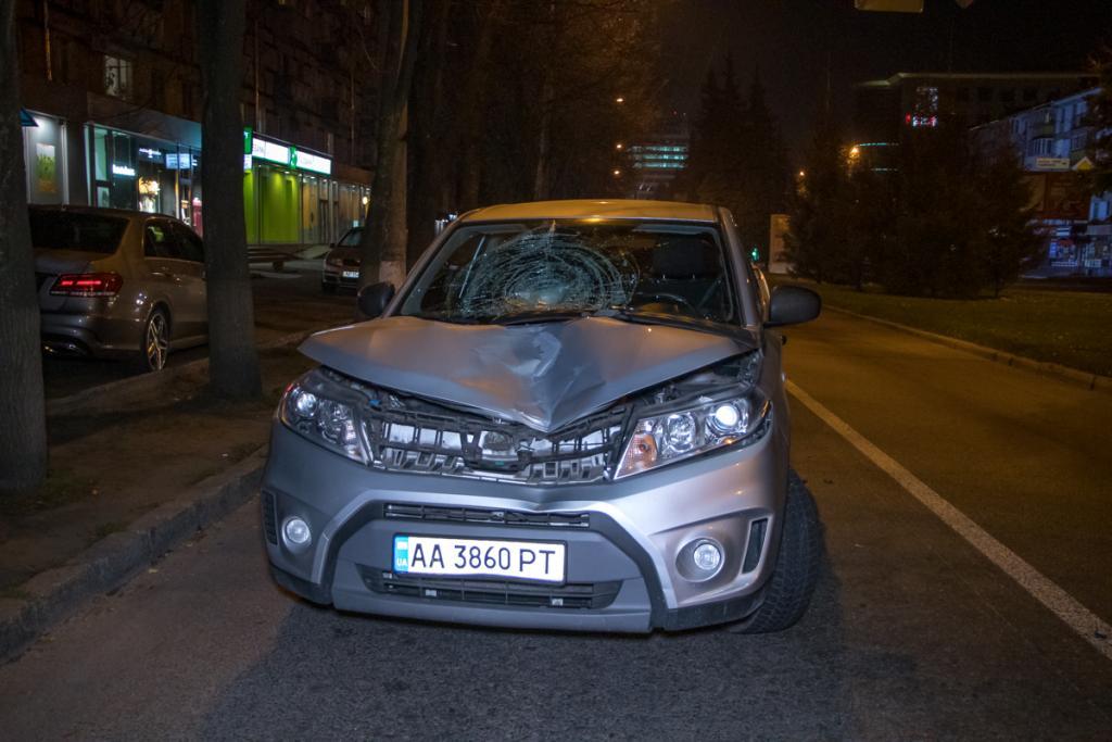 «Неожиданно выскочил»: в Днепре автомобиль сбил парня. Новости Днепра