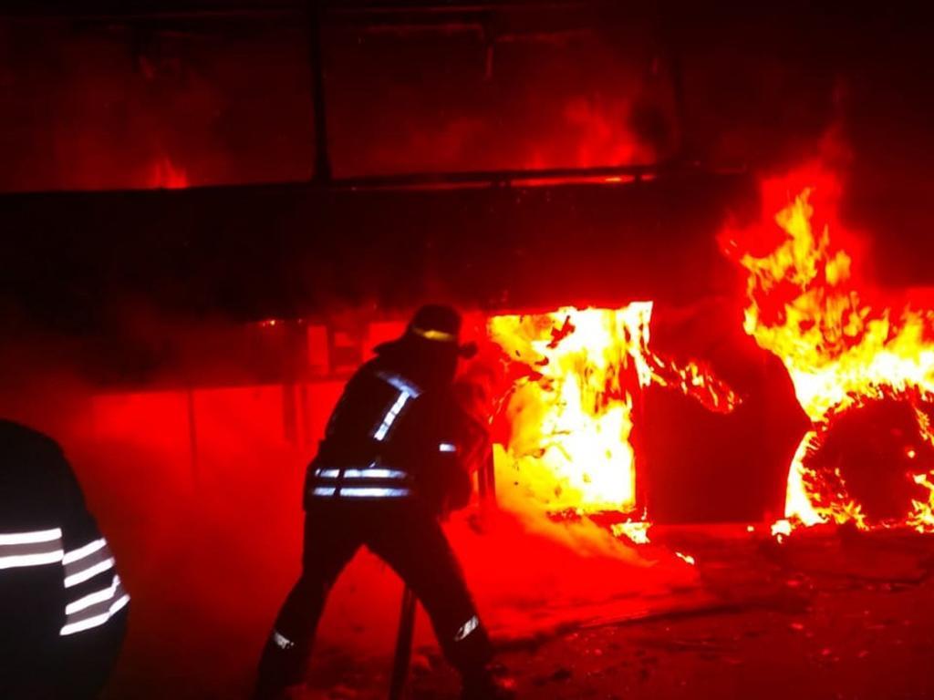 Сгорел дотла: на остановке вспыхнул пассажирский автобус. Новости Днепра