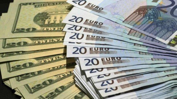«Медленно, но вниз»: курс валют на 19-е ноября. Новости Украины