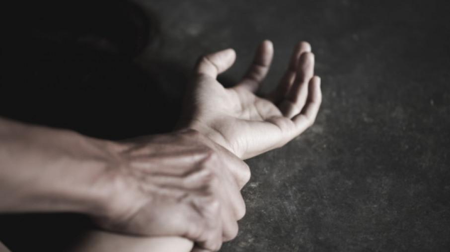 Мужчина изнасиловал 13-летнюю девочку и угрожал ее 4-летней сестре. Новости Днепра