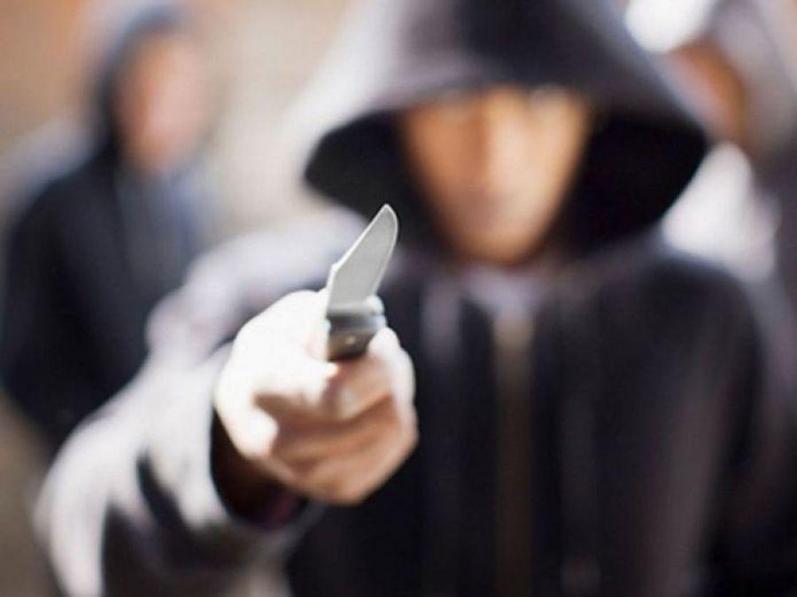 Угрожали ножом: в Днепре подростки промышляют воровством. Новости Днепра