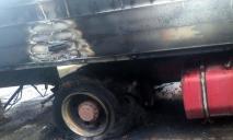 «Просто стоял»: в Днепре вспыхнул грузовик