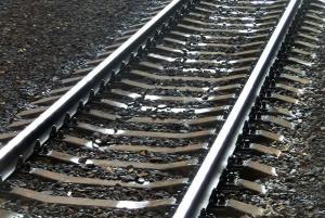Мужчина погиб под колесами поезда. Новости Украины
