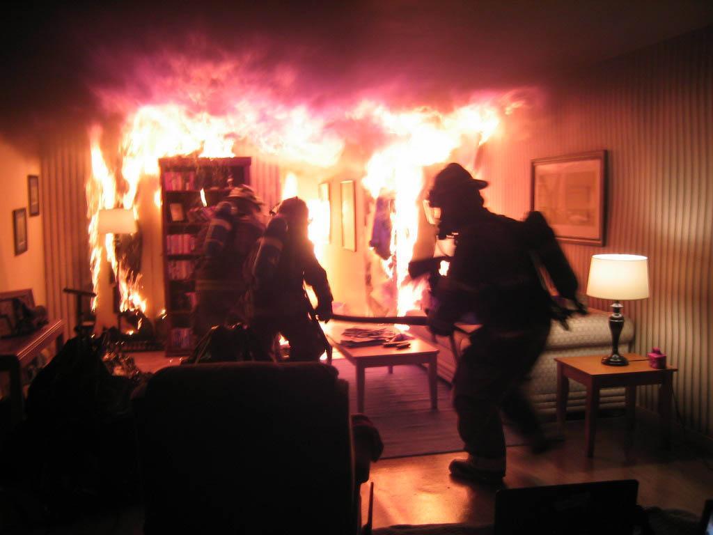 Пожар в многоэтажном доме: пострадала женщина. Новости Днепра