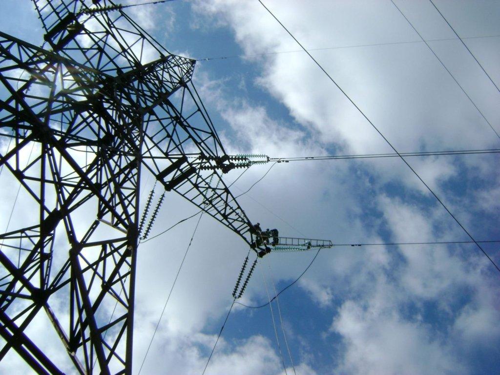 «Решил покорить электроопору»: опасные развлечения школьников Днепра. Новости Днепра