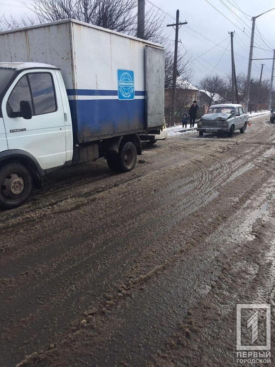 Экстренное торможение: легковушка «влетела» в грузовик. Новости Днепра