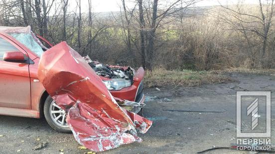 Серьезное ДТП с пострадавшим: столкнулись автобус и легковушка. Новости Днепра