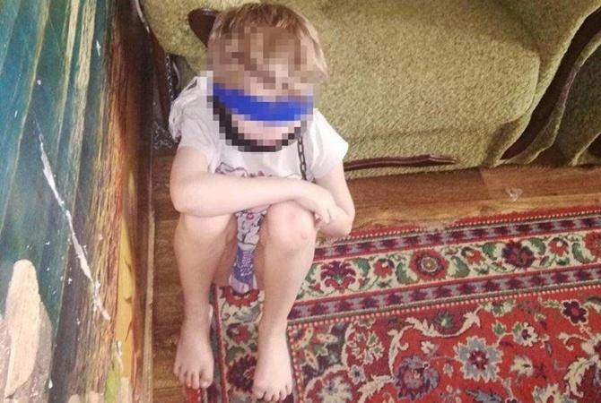 У Дніпрі почався суд над «мати-героїнею», яка тримала дітей на ланцюгу. Новини Дніпра