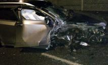 Серьезное ДТП: в Днепре авто протаранило столб