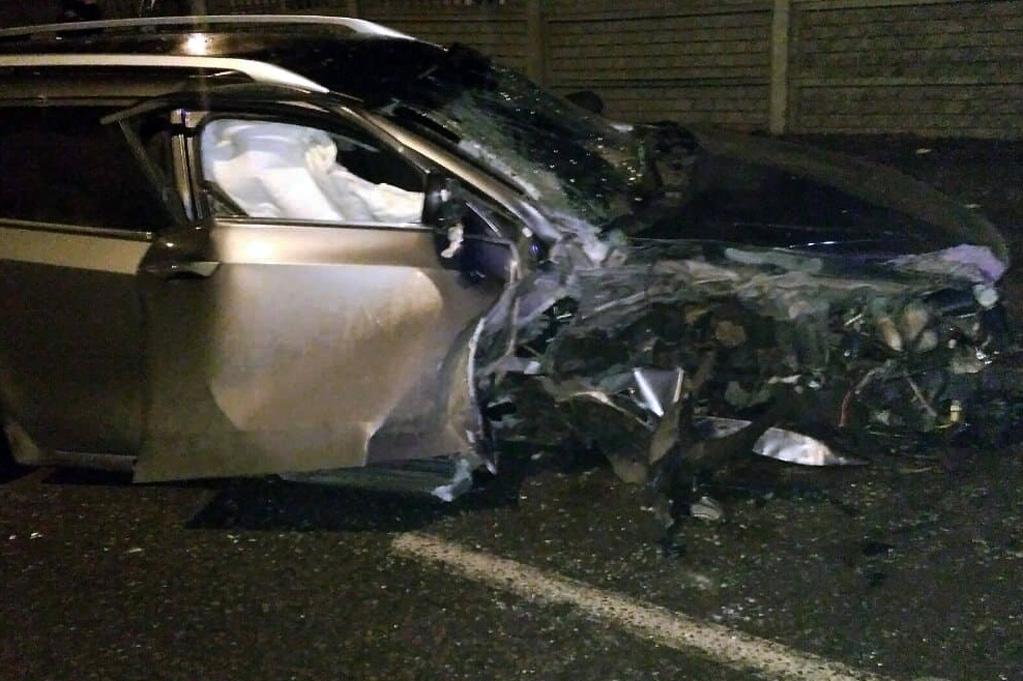 В Днепре автомобиль влетел в столб. Новости Днепра