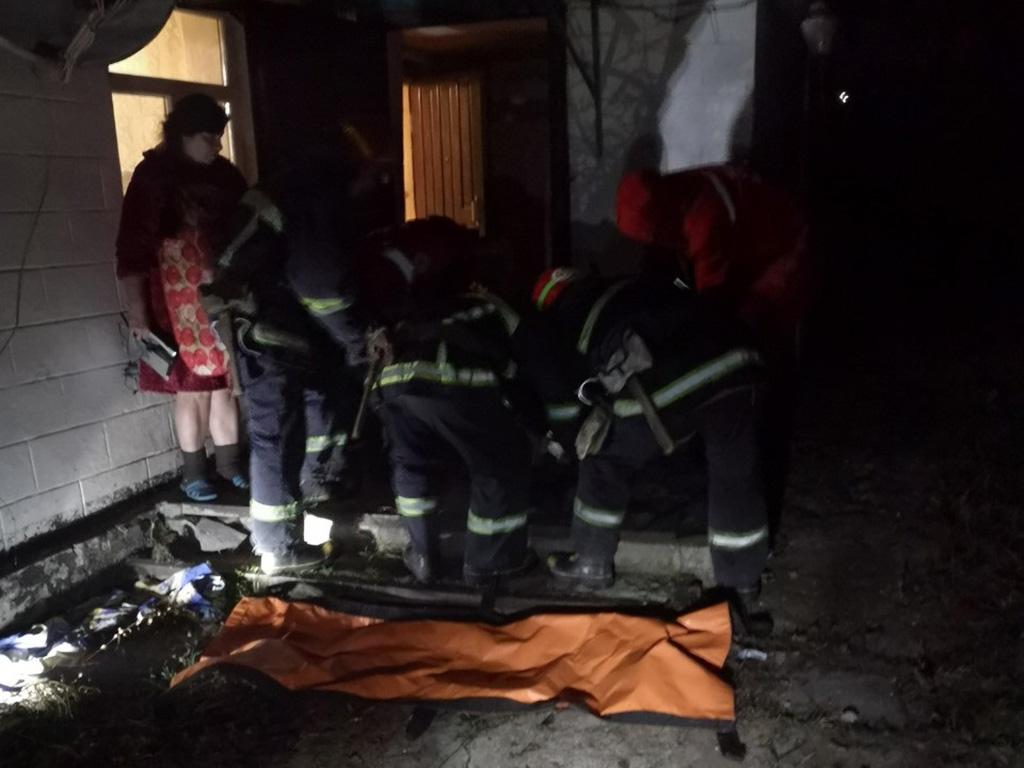 Спасатели вытащили мужчину из горящего дома: подробности. Новости Днепра