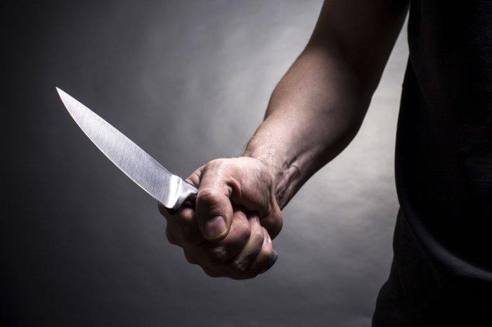 В Днепре мужчина с ножом напал на девушку-подростка. Новости Днепра