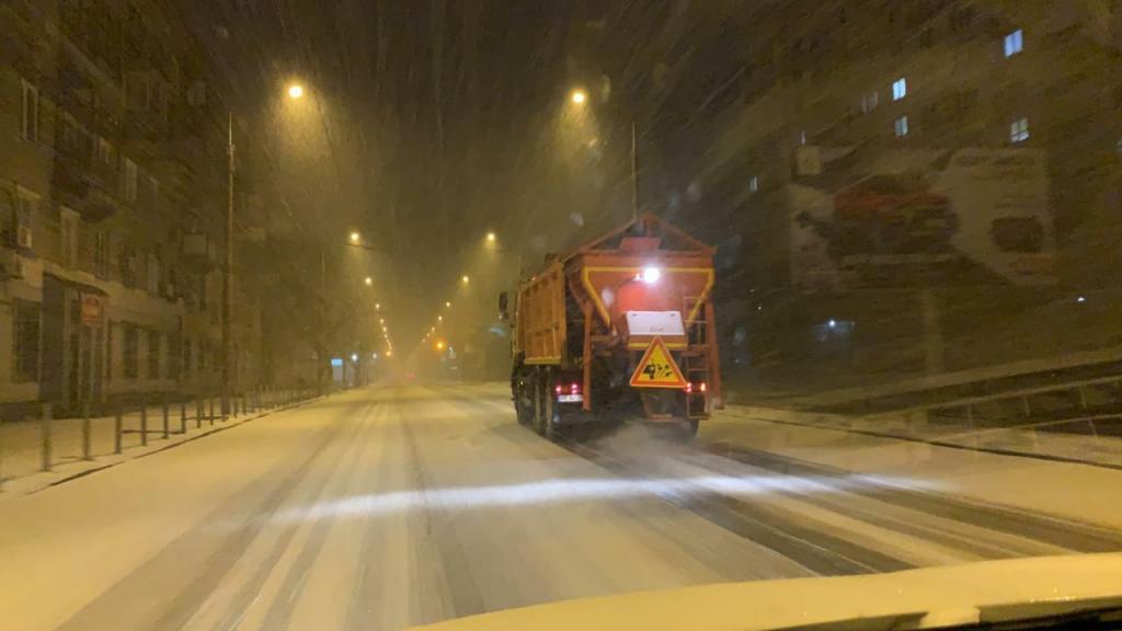 Перший сніг в Дніпрі: як справляються комунальники. Новини Дніпра