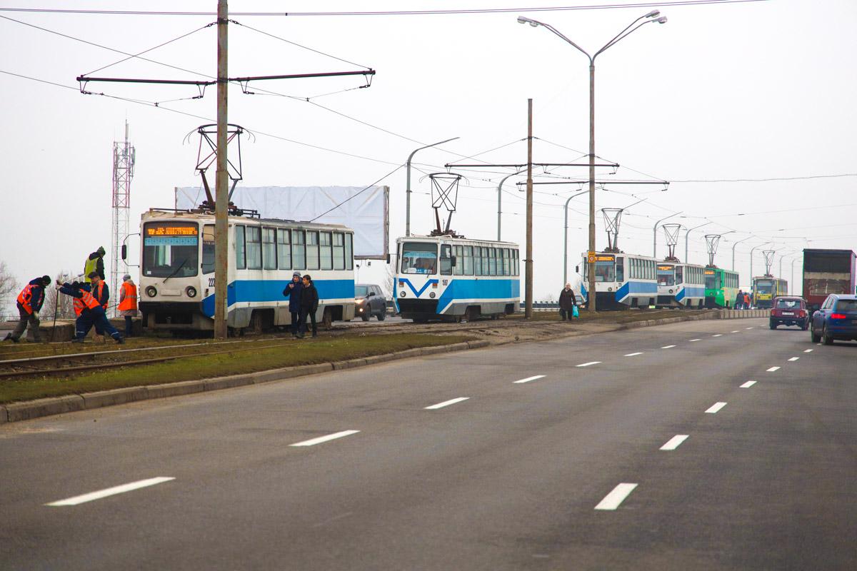 В Днепре на Кайдакском мосту произошло ДТП. Новости Днепра
