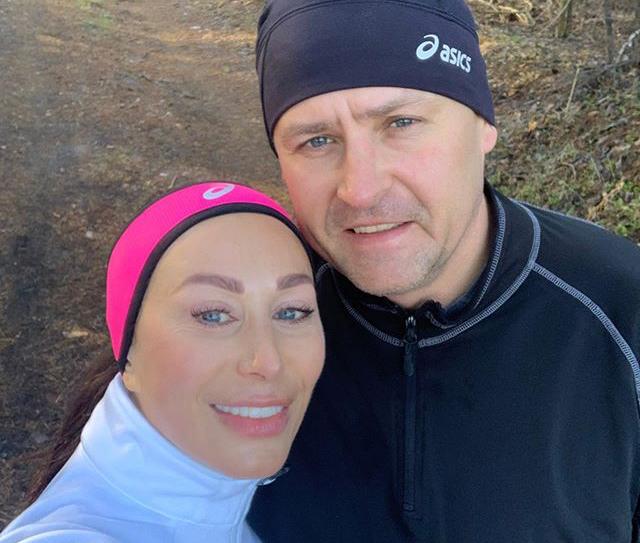 «Побежали!»: Борис Филатов готовится к марафону вместе с женой. Новости Днепра