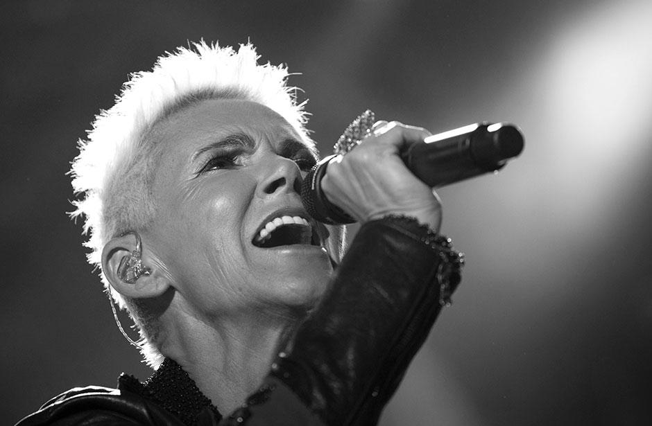 Умерла солистка легендарной музыкальной группы 90-х. Новости мира