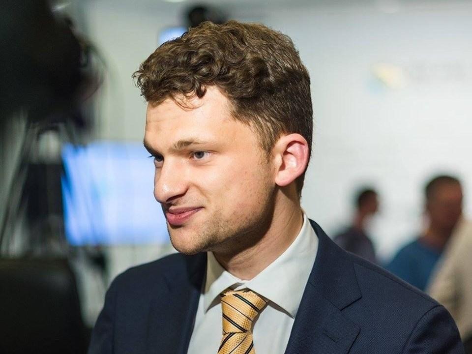 Дубилет: «Министры просят зарплаты побольше из-за отсутствия «финансовой подушки». Новости Украины