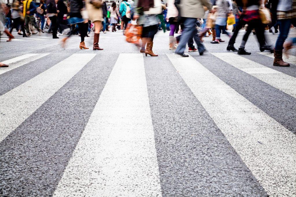 Попал под колеса - плати: пешеходы-нарушители будут возмещать ущерб от ДТП. Новости Украины