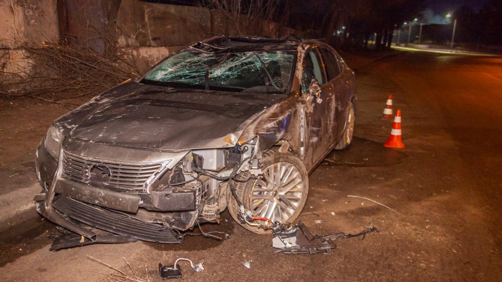 «Из-за гололеда»: в Днепре перевернулся автомобиль. Новости Днепра