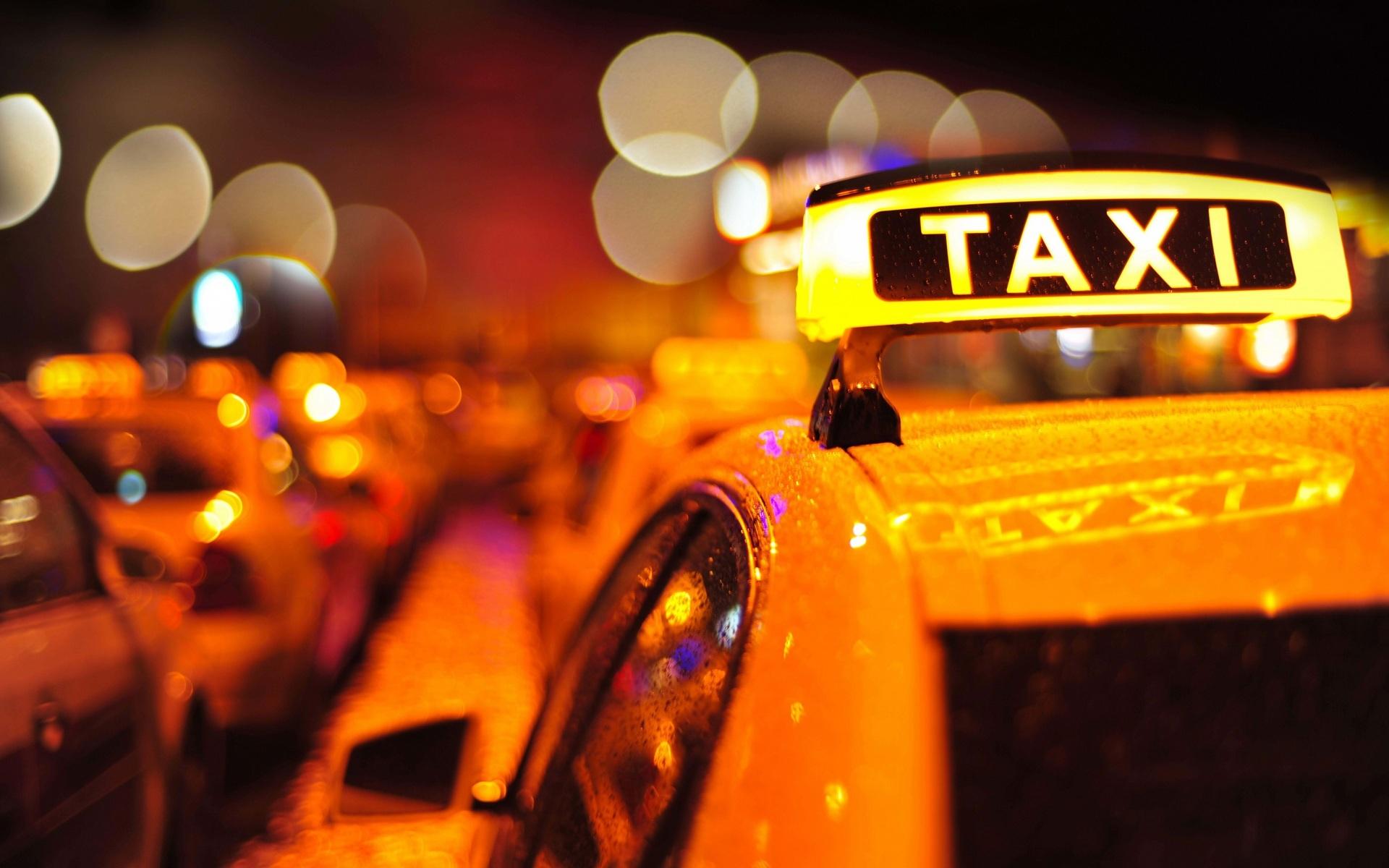 «До трусов и носков»: в Днепре таксисты раздели пассажира. Новости Днепра