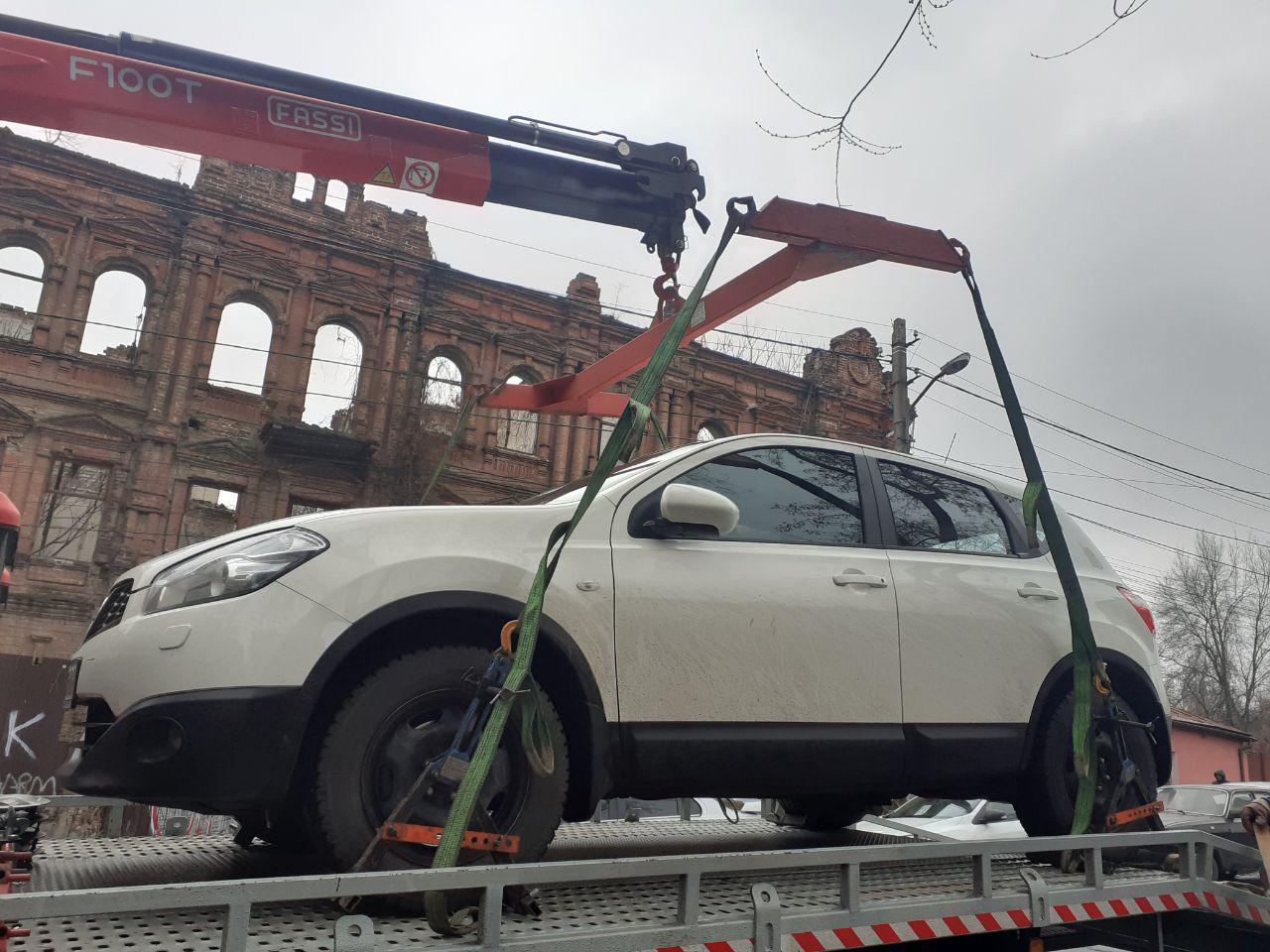 Более сотни эвакуаций за неделю: отчет от инспекторов по парковке Днепра. Новости Днепра