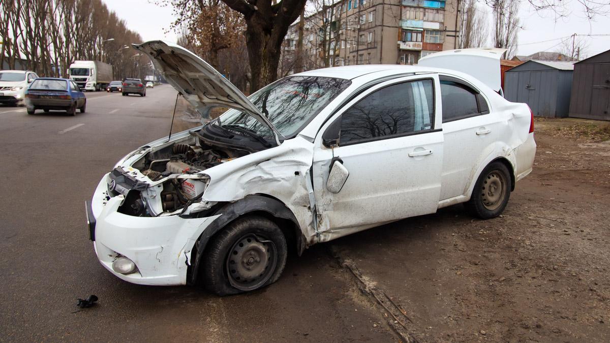 ДТП в Дніпрі: від удару машини «розлетілися» по сторонам. Новини Дніпра