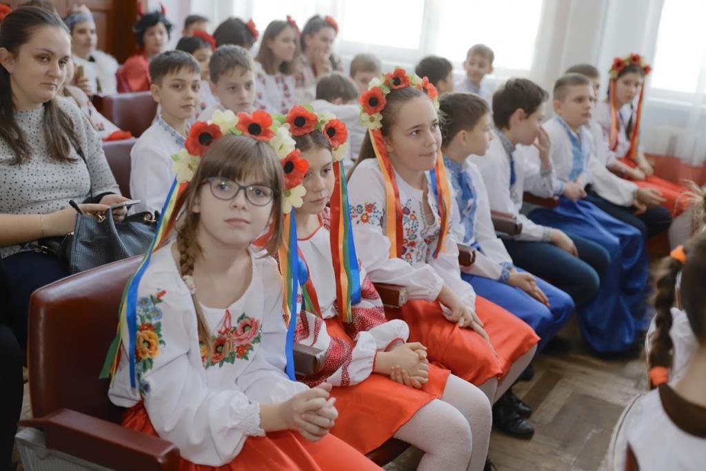 Сохраняем традиции: в Днепре прошел детский фестиваль украинской песни. Новости Днепра