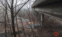 В Днепре под мостом найдено тело мужчины