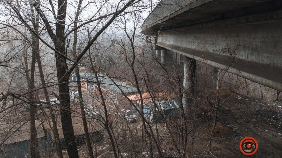 В Днепре под мостом найдено тело мужчины. Новости Днепра