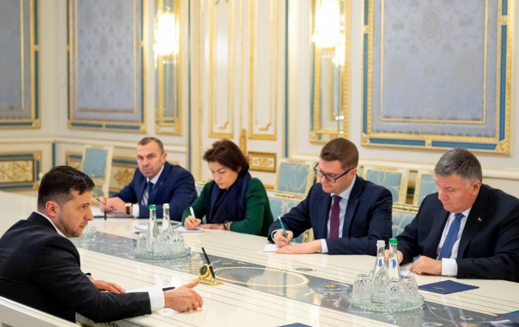 «Требую разобраться»: Зеленский про отставку Гончарука из-за прослушки. Новости Украины